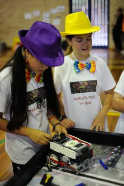 Girls and robotics - love it.